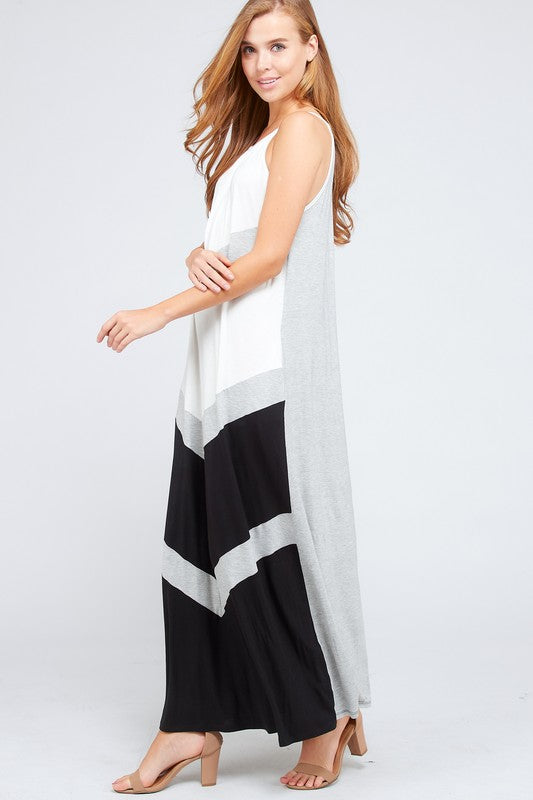 LOVE TRIANGLE Maxi Dress
