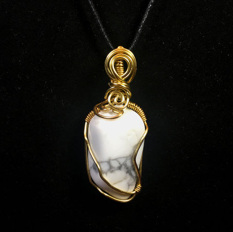 Tumbled Howlite Wire Wrapped Pendant - Advanced Wrapping