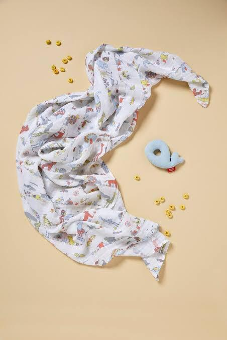 Weegoamigo Holey Rattle & Muslin - Whale | Baby Box | NZ Baby Shop