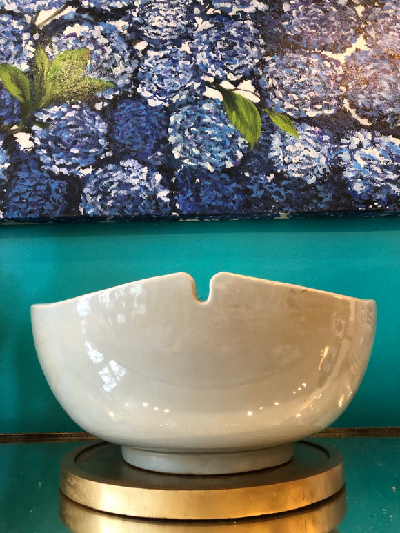 Indented scallop bowl- small