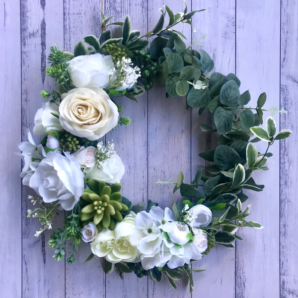 Christmas floral wreath - white + ivory.
