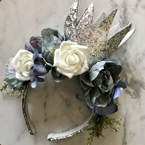 Floral silver glitter crown - dusty blue/white