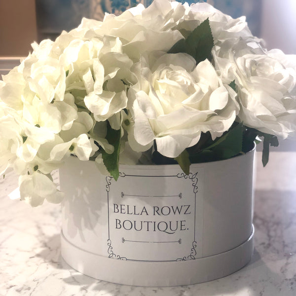 Bouquet in a box - large white rose + hydrangeas