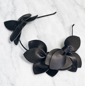 Dakota petal crown- black