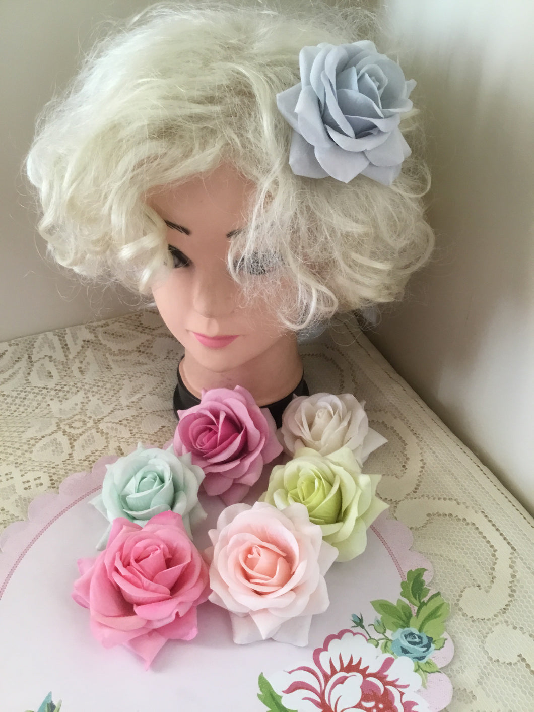 Beautiful flocked vintage style single roses - various colours