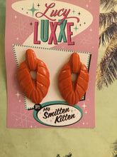 Load image into Gallery viewer, TEIA - tiki lounge earrings - Burnt Orange