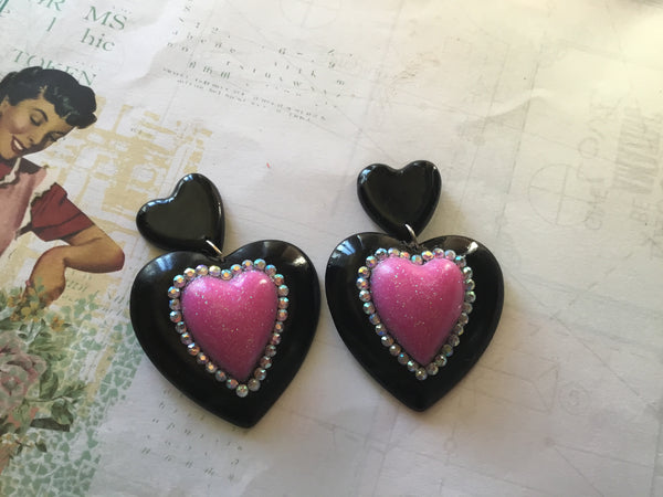 ELIZABETH..DOUBLE QUEEN OF HEART EARRINGS ... black with hot pink