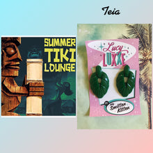 Load image into Gallery viewer, TEIA - tiki lounge earrings - Emerald green