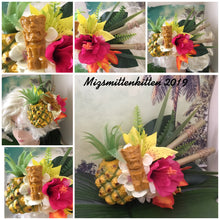 Load image into Gallery viewer, KANALOA - pineapple and tiki tropical cluster - with bamboo