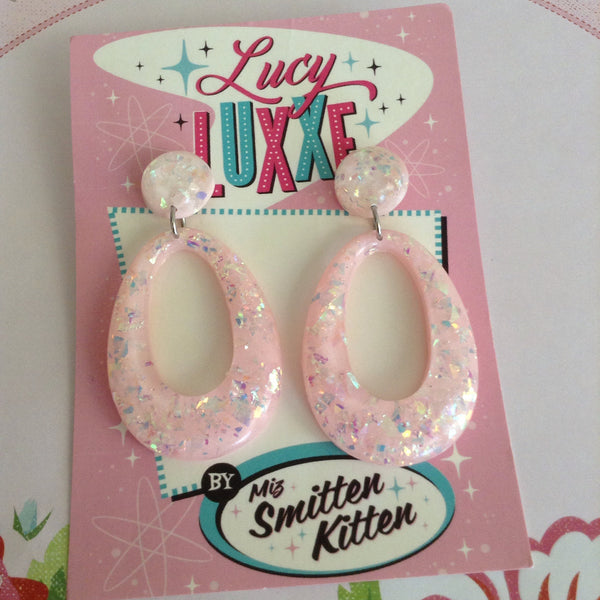 BIG BETTY baby pink confetti lucite hoops