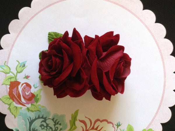 Claret double velvet rose comb