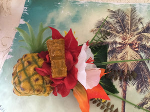 KANALOA - pineapple and tiki tropical cluster