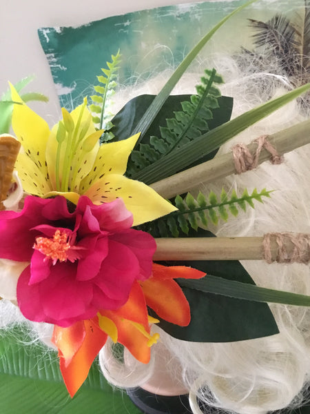 KANALOA ... pineapple and tiki tropical cluster ... with bamboo