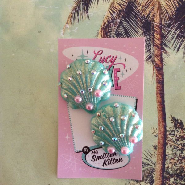 Mermaid Katt seashell earrings pink or mint