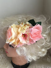 Load image into Gallery viewer, JANINE - hair flower cluster