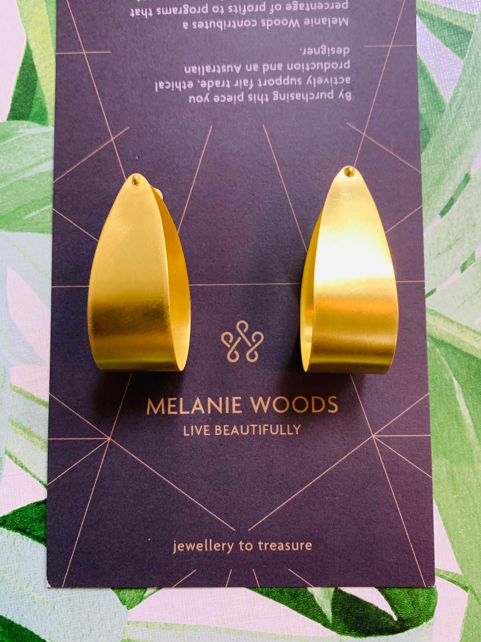 MELANIE WOODS EURO GOLD WIDE HOOP EARRINGS