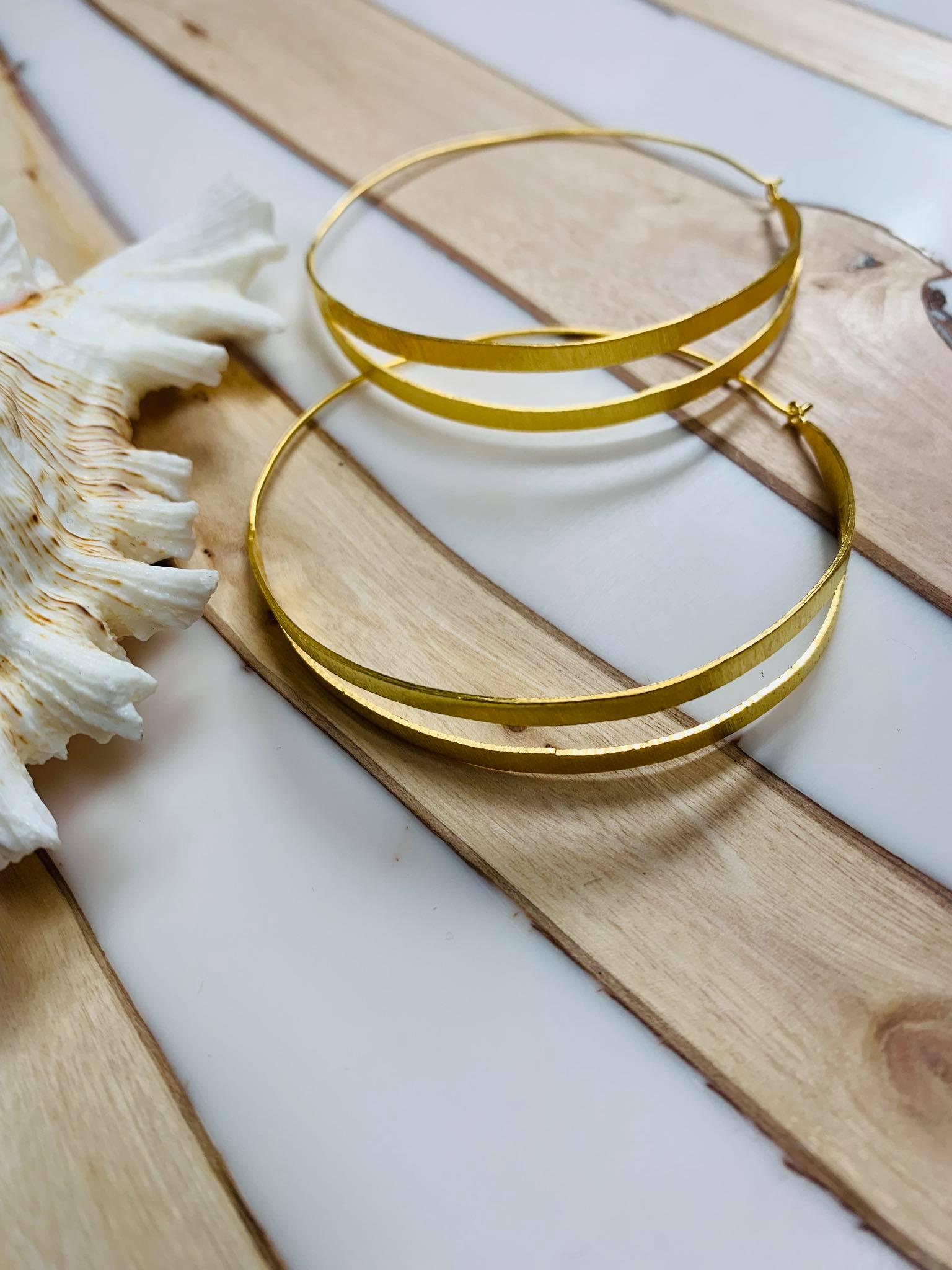 MELANIE WOODS EURO GOLD SPLIT HOOP EARRINGS