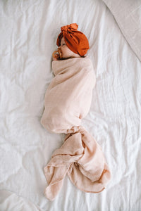 Organic Muslin Wrap in Tissue Pink