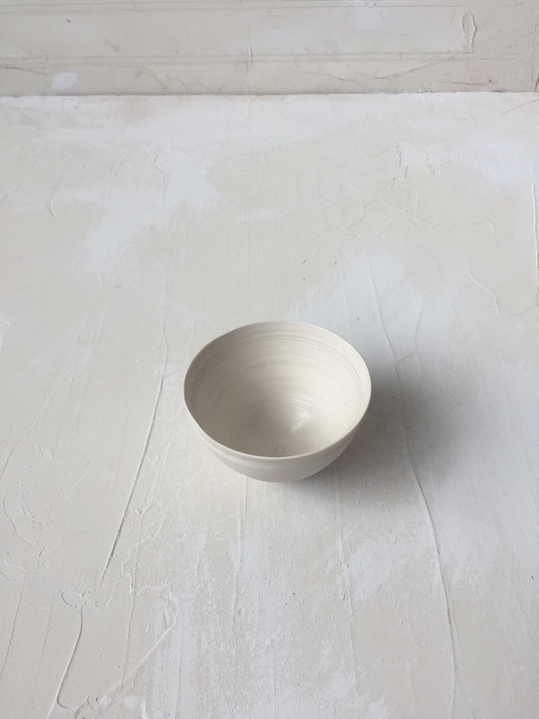 Tea Bowl / Ramekin in white porcelain