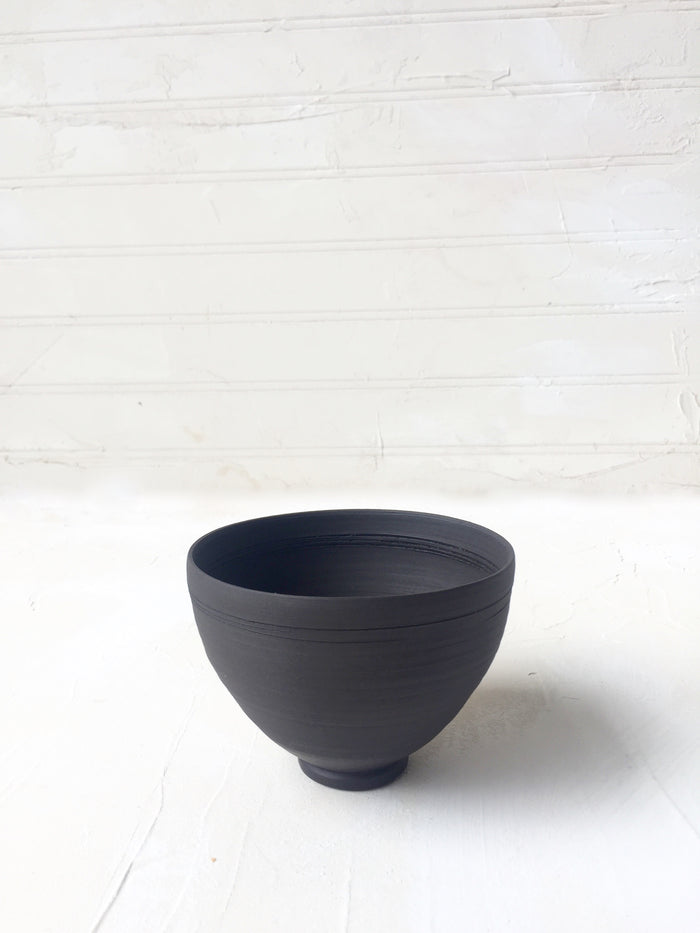 Tea Bowl / Ramekin in Black