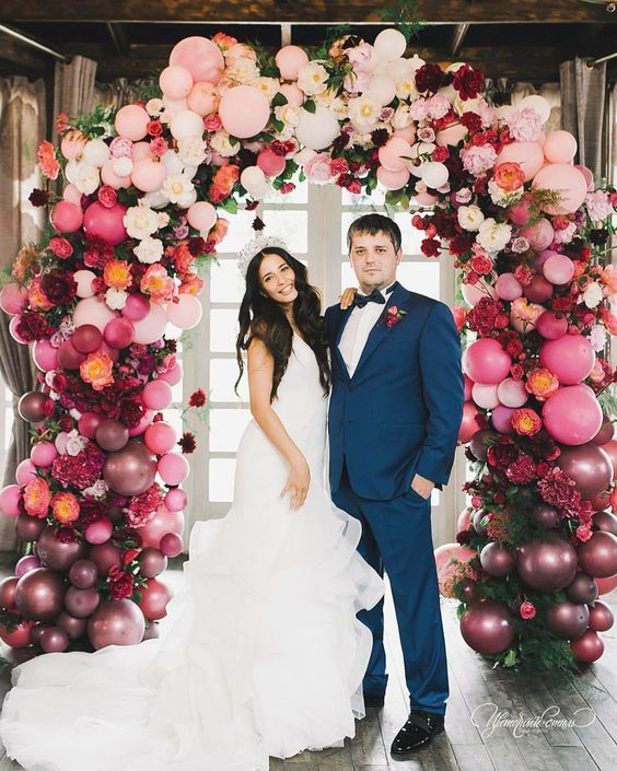 Balloon Decoration Ideas: Balloon Arch and Balloon Garland for Weddings and Birthdays