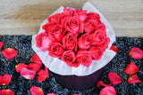 pink roses bouquet in the box
