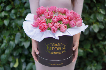 Hot Pink Roses (inc.Vase) | Rose bouquet