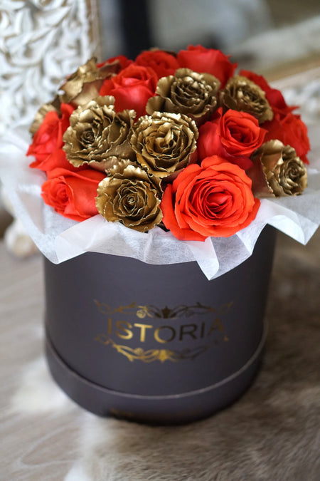 Garden Roses in Signature Box (incl Vase)