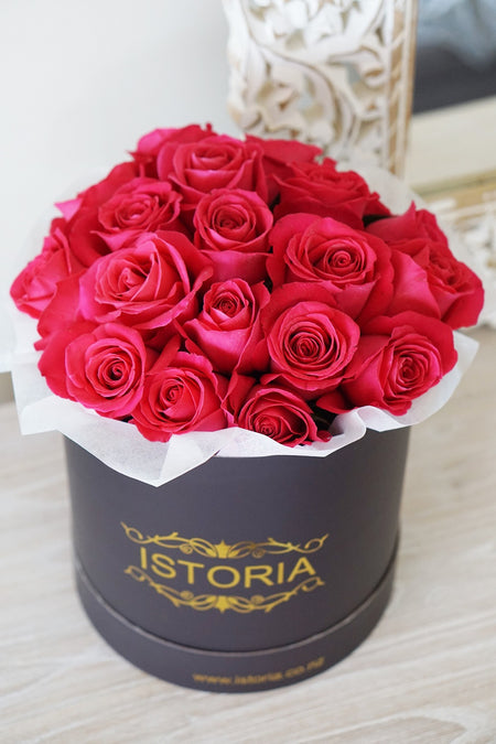 Red & Gold Roses bouquet in Signature Box (inc. Vase)