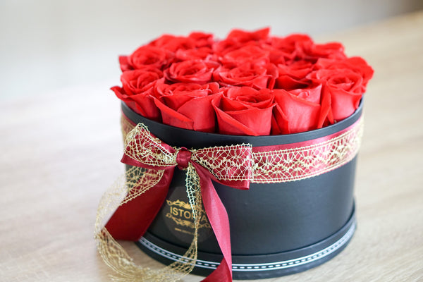 Roses in black box- available in different colours