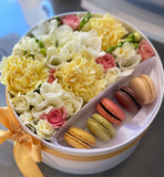 Deluxe flowers & macaroons gift box- medium size