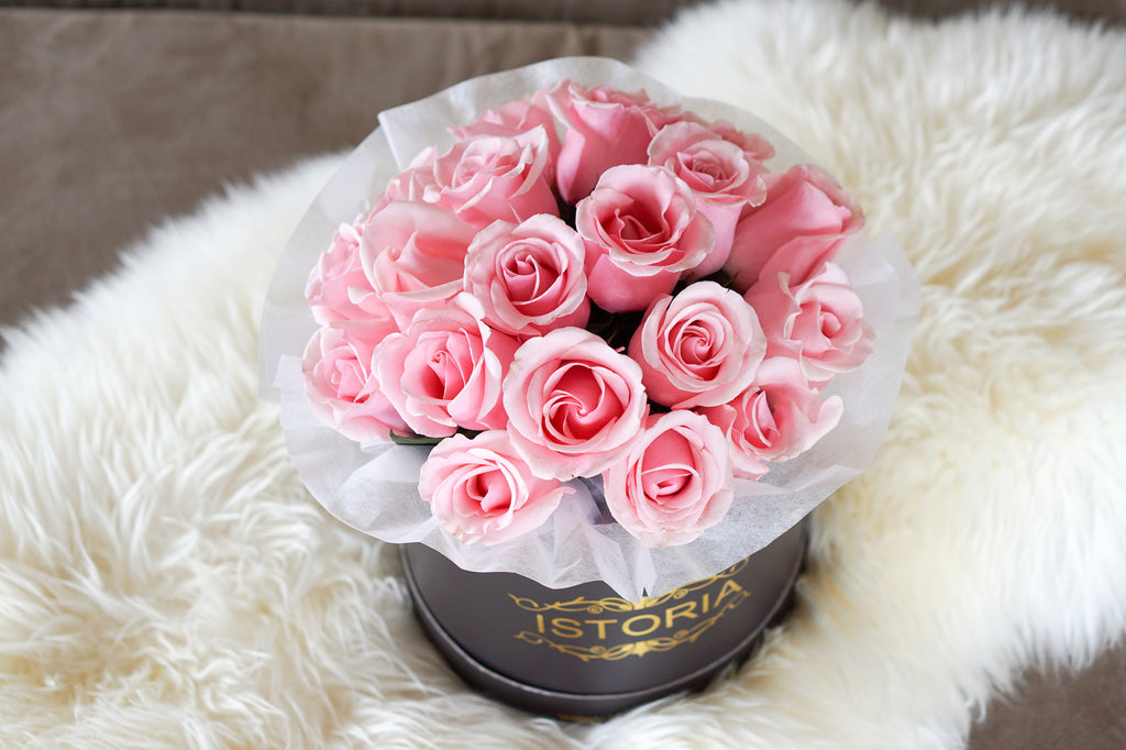Soft pink roses | Roses in the box | Luxury Rose bouquets Auckland ...