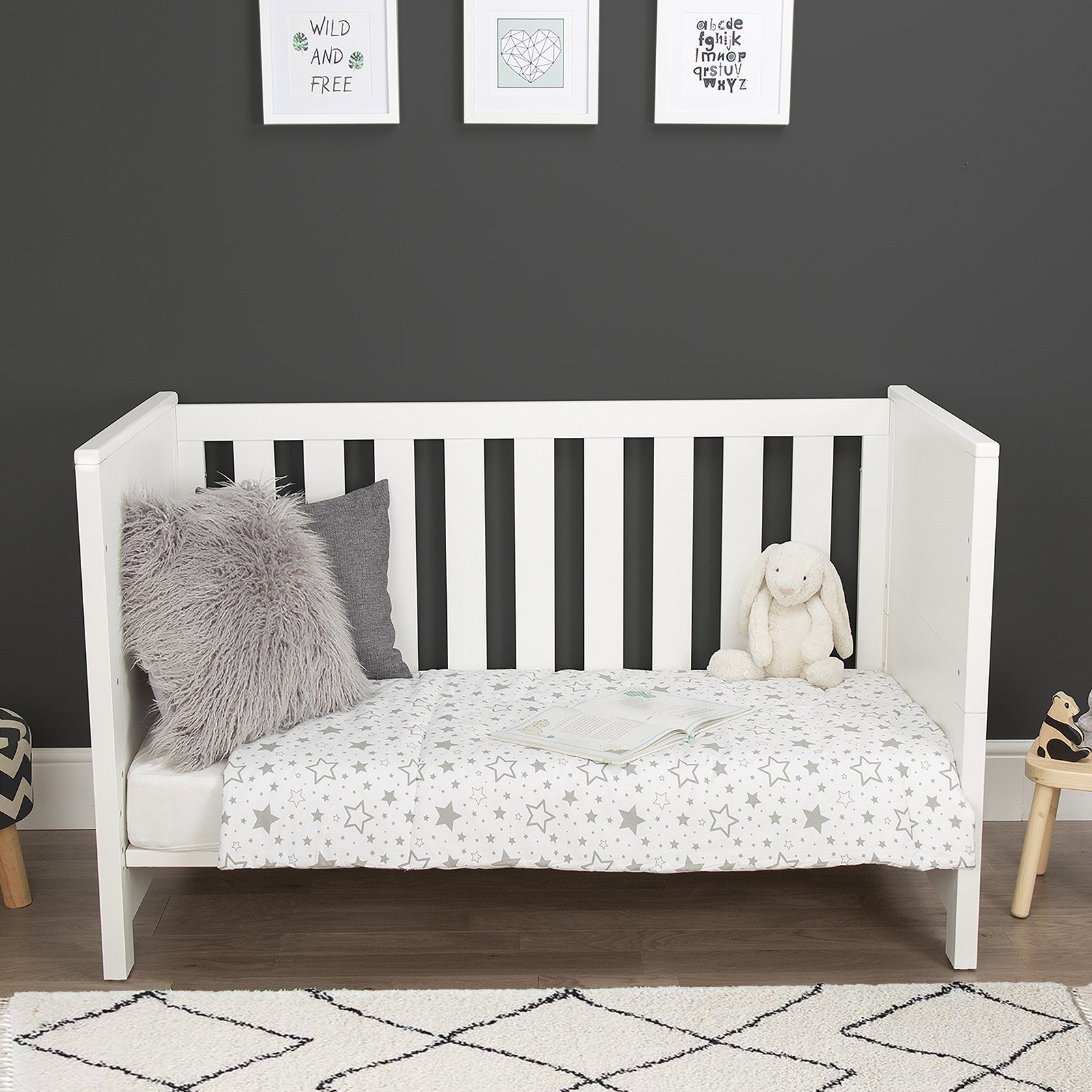 Aylesbury 2 Piece Nursery Room Set White + Signature Hypo-Allergenic Bamboo Pocket Sprung Cot Bed Mattress Furniture CuddleCo