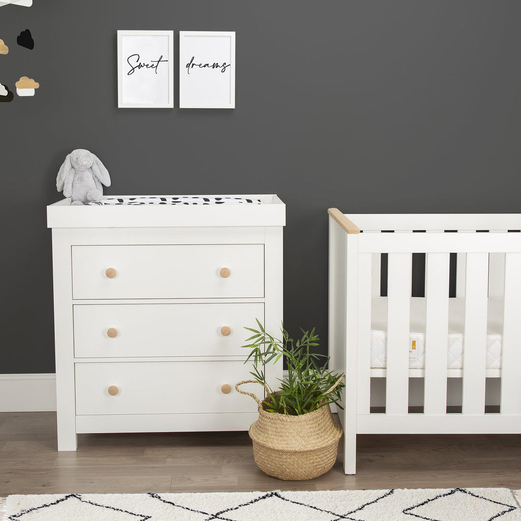 Aylesbury 2 Piece Nursery Room Set White And Ash + Signature Hypo-Allergenic Bamboo Pocket Sprung Cot Bed Mattress Furniture CuddleCo