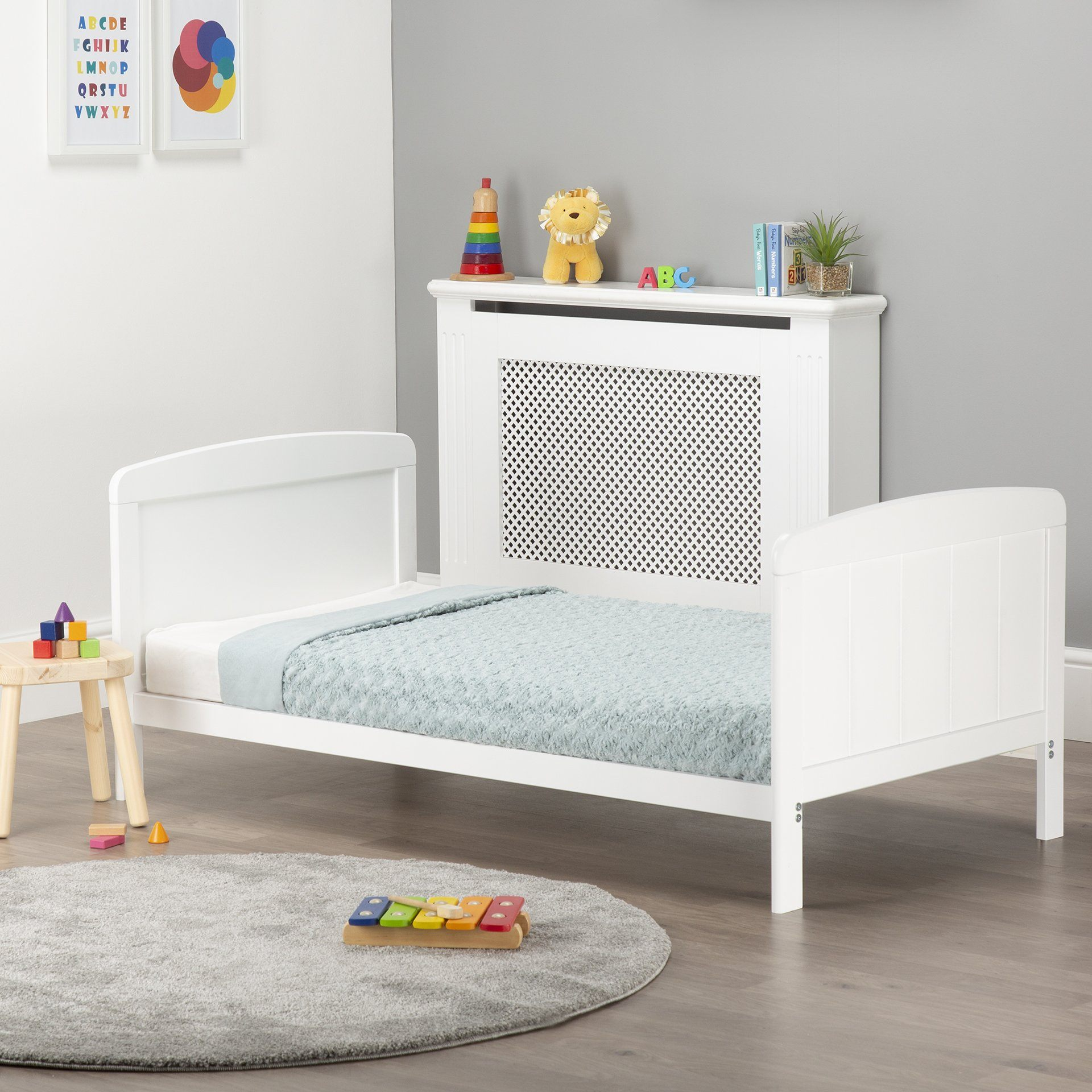 Juliet Cot Bed White + Mother&Baby White Gold Anti-Allergy Pocket Sprung Cot bed Mattress CuddleCo