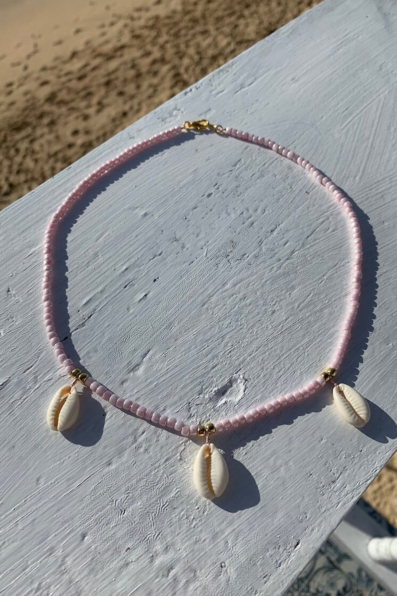 Shell we go to Bali necklace | Pink