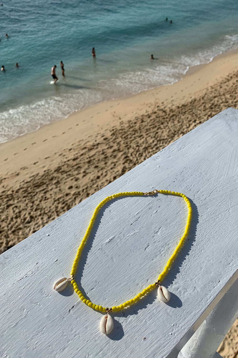Shell we go to Bali necklace | Yellow