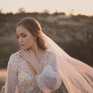Sara | Single tier cut edge veil