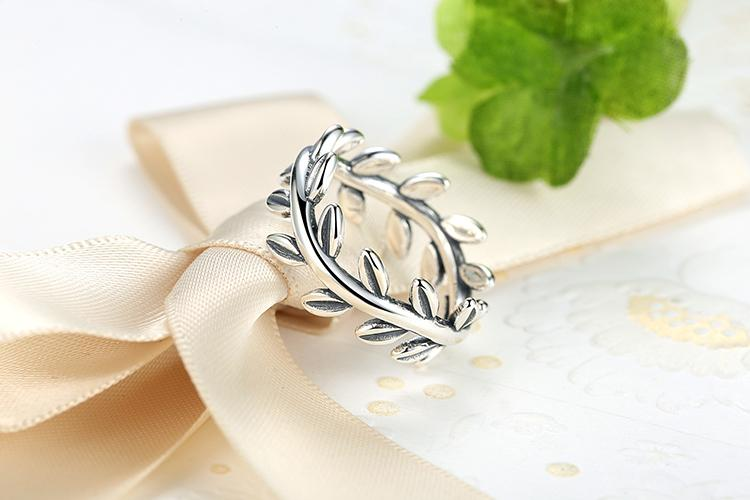 Laurel Ring