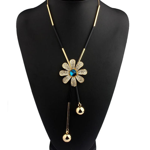 Daisy Pendant Drop Necklace