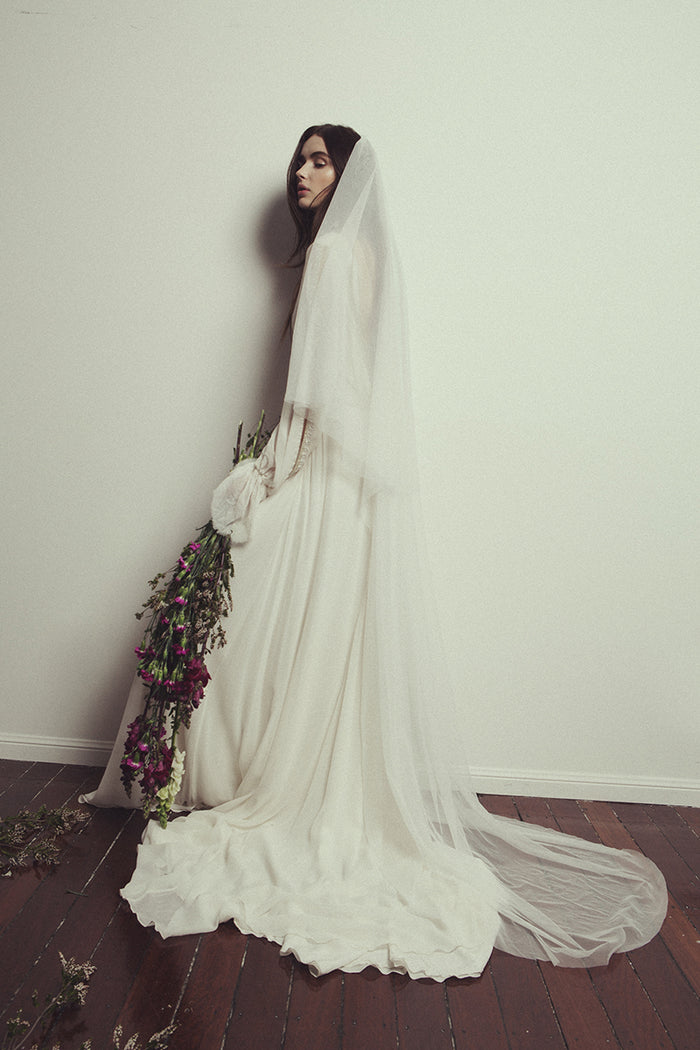 FLOOR LENGTH SOFT TULLE VEIL