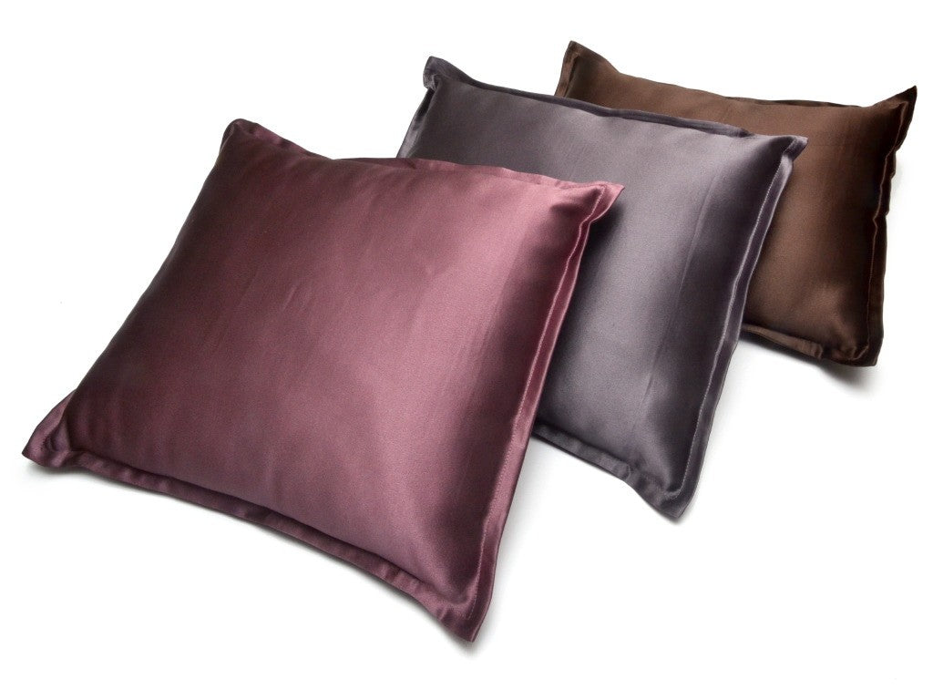 Manito Silk Travel Pillow, Slate
