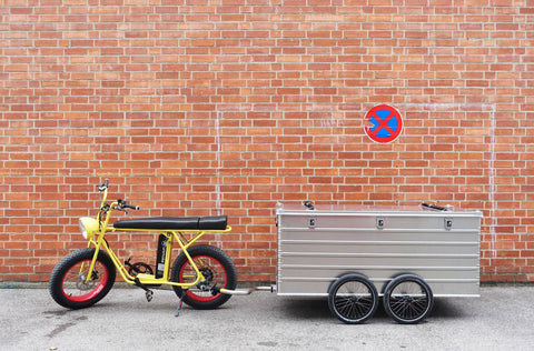 Cool bike trailer for electric cargo bicycle
