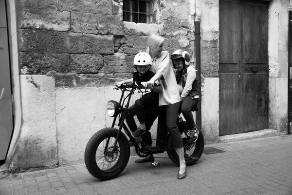 E-Bike for child transport and women- Uni Moke- Vintage moped style electric bike