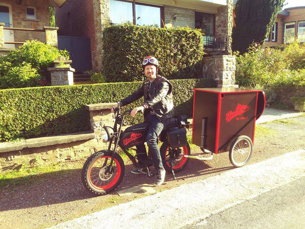 Warm food delivery bike with trailer/ kitchen bike
