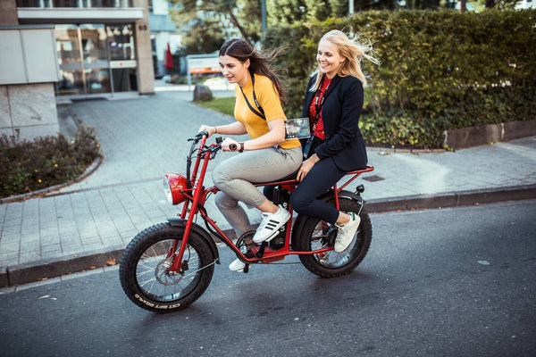an electric for independent urban women- Uni Moke- Vintage moped style electric bike