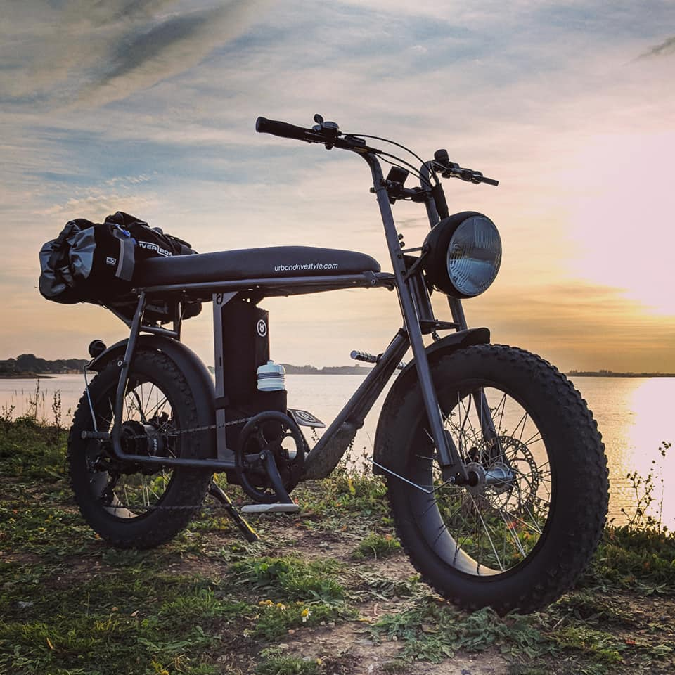 Uni Moke: Cool fat wheel vintage electric bike