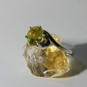 Awesome Size 8 Golden Beryl Gemstone Ring