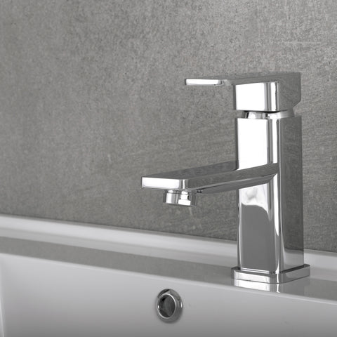 DAX Single Handle Bathroom Faucet, Brass Body, Chrome Finish, 5-15/16 x 6-1/8 Inches (DAX-8510-CR)