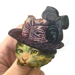Tabby cat brooch